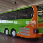 Autobus MAN di linea a lunga percorrenza in pellicola Verde e Arancio, società Flixbus.it