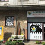 Cliente Agricola 2000 Allerona (TR) Vetrina in adesivo prespaziato e stampa digitale