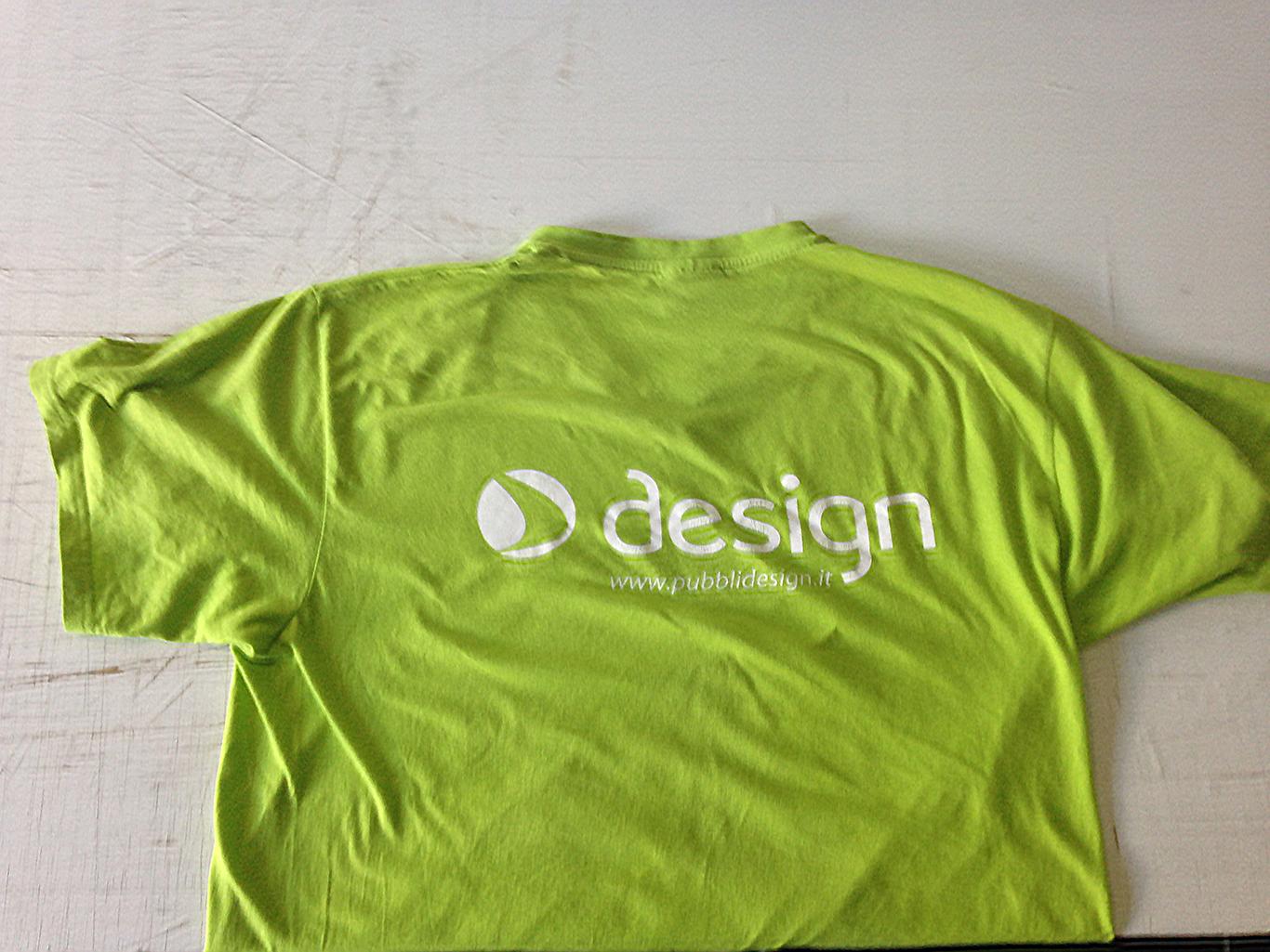Abbigliamento personalizzato  T-Shirt personalizzata 52a38b47328