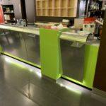 Allestimento interni bancone verde, cliente The Experience Terni